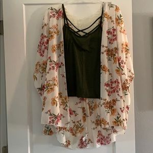 Tops - Cute** 2 piece tank and shear covering.